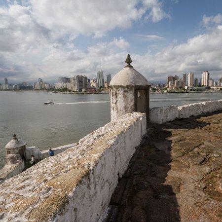 2) Fortaleza da Barra, em Guarujá