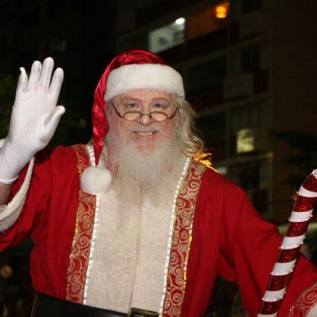 Papai Noel em Santos e região - Revista Nove - Parada de Natal2