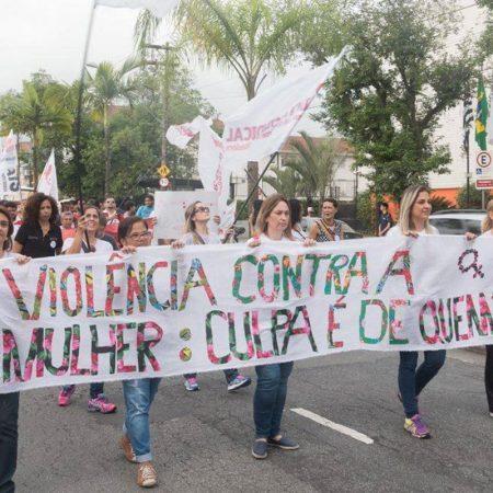 Pelo fim da violência contra à mulher - Revista Nove