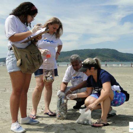 Mutirão de limpeza das praias - Revista Nove