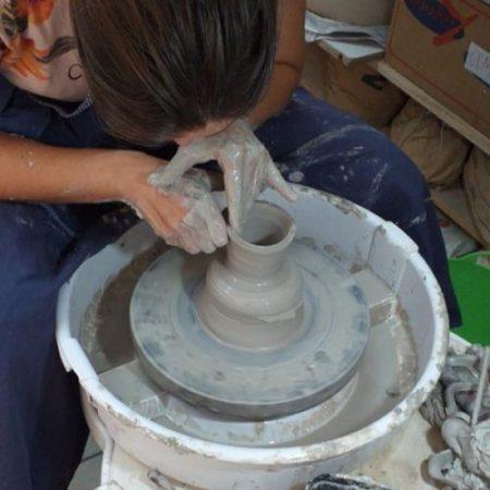 Curso Cerâmica I – Modelagem no Torno