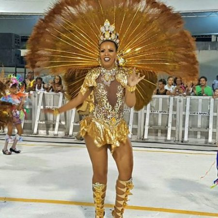 Néia Ribeiro